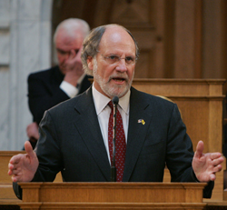 New Jersey Governor Jon S. Corzine outlines his economic plan to the legislature.