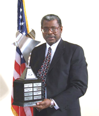 Jesse L. Gaines, CEO of Legal Aid of NorthWest Texas, received the 2008 Professionalism Award from the Tarrant County Bar Association.